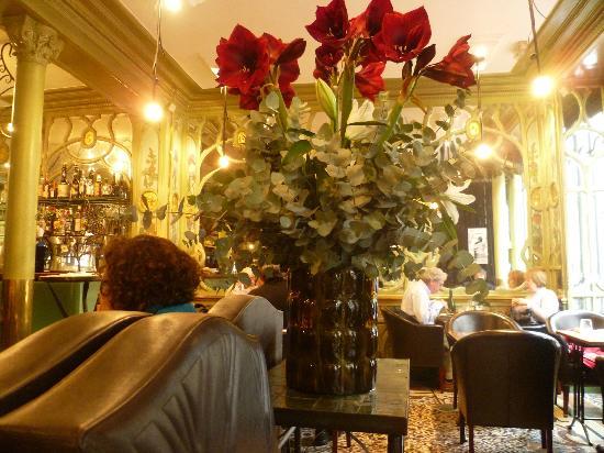 Bouillon Racine: Bonita decoración y un ambiente relajado