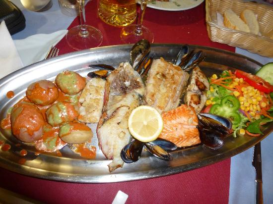 El Patio: the wonderful fish mixed grill