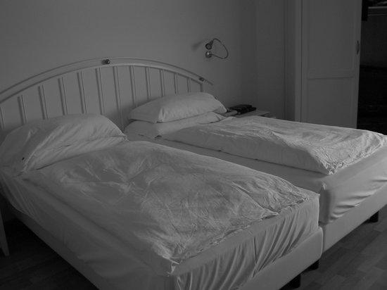Hotel Abano Leonardo Da Vinci Terme & Golf: letto matrimoniale
