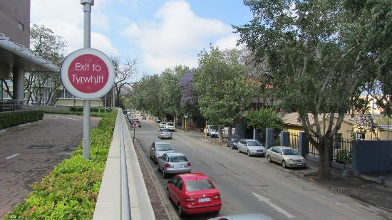 Crowne Plaza Johannesburg - The Rosebank: nearby street