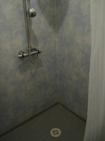 Borgarnes Hostel: Baño