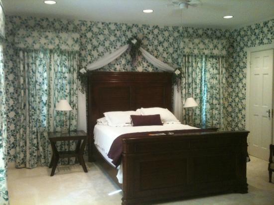 Photo of Wisteria Hideaway Bed & Breakfast Lufkin