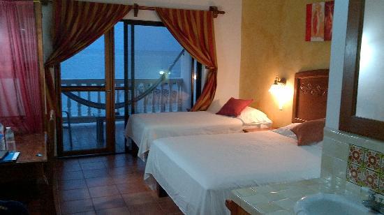Sueno Del Mar Resort: Room 201