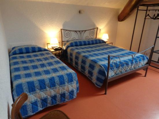 Hotel du Tigre : chambre mansardée