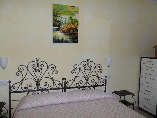 Giglio del Conero bed & breakfast: Ogni stanza ha il nome di un fiore