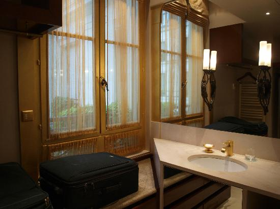 Park Hyatt Paris - Vendome: One of two sink areas where I put on makeup in natural light.
