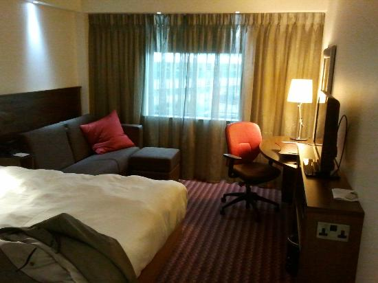 Hampton by Hilton Newport East: clean, comfortable room