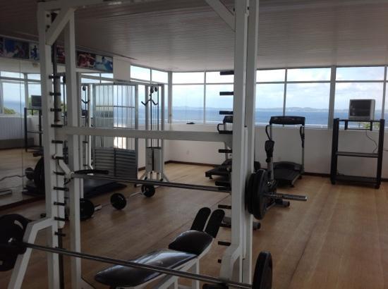 Hotel Sol Barra: academia no terraço