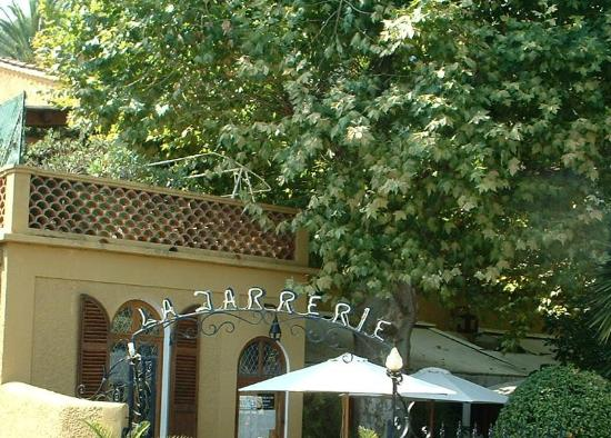 La Jarrerie: Proving the Name Duplication