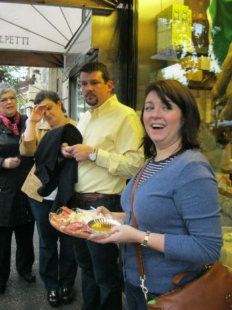Eating Italy Tours: Tastings outside E.Volpetti