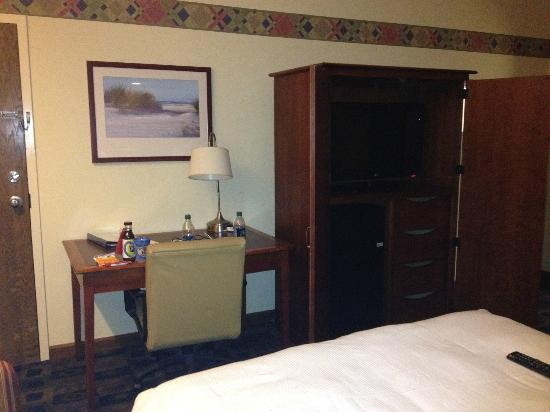 Maumee Bay Lodge and Conference Center: Desk