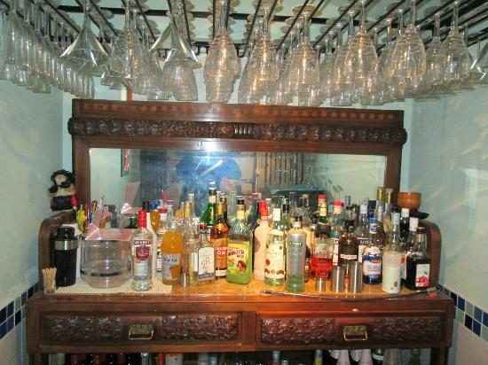 Wye Valley Spa: Fully stocked cocktail bar close up.