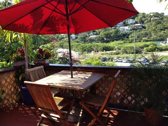 St. John Inn: very cute deck with bay view