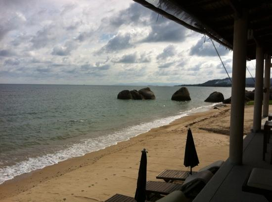 Lazy Day's Samui Beach Resort: Beach looking South