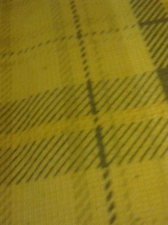 Lyttleton Lodge : Black specks on the mattress