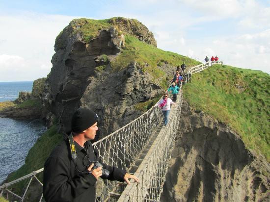 Carrick-A-Rede Rope Bridge: Single file crossing