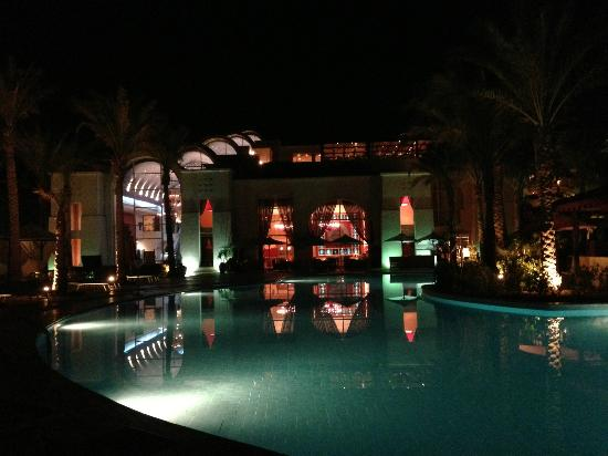 Grand Rotana Resort & Spa: One end of the pool at night