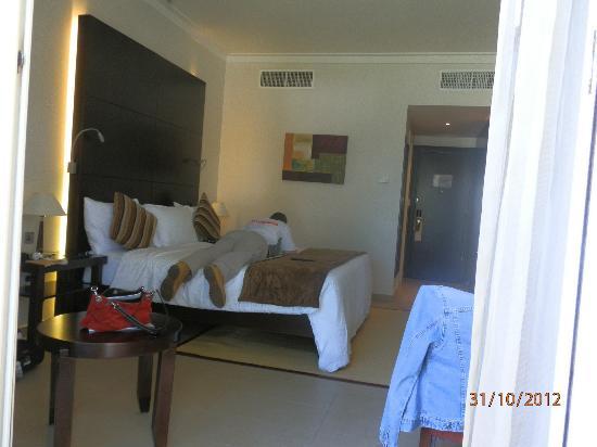 Mafraq Hotel Abu Dhabi: mafraq room