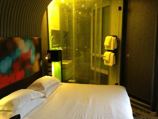 Hotel Sublim Eiffel : yellow room