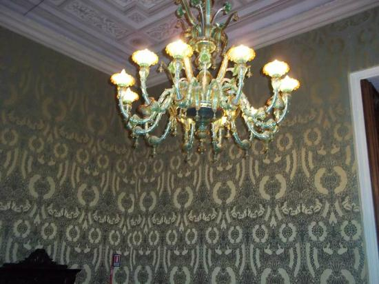The Royal Palace : Another amazing room and chandelier