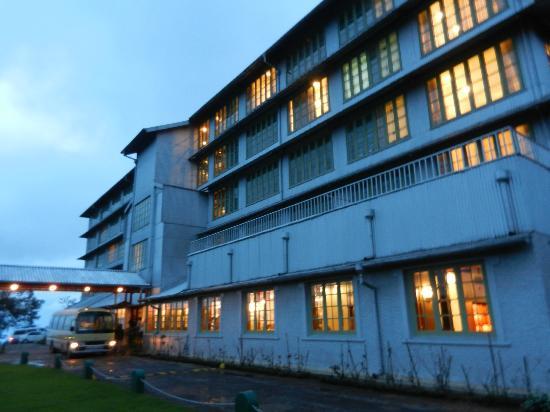 Heritance Tea Factory: Hotel exterior