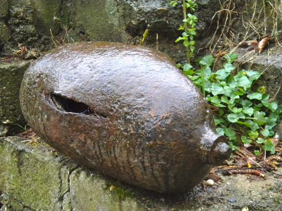 Kasteelhof 't  Hooghe: An old bomb