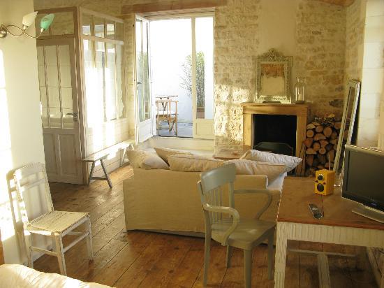 Hôtel Le Sénéchal : chambre avec terrasse et cheminée