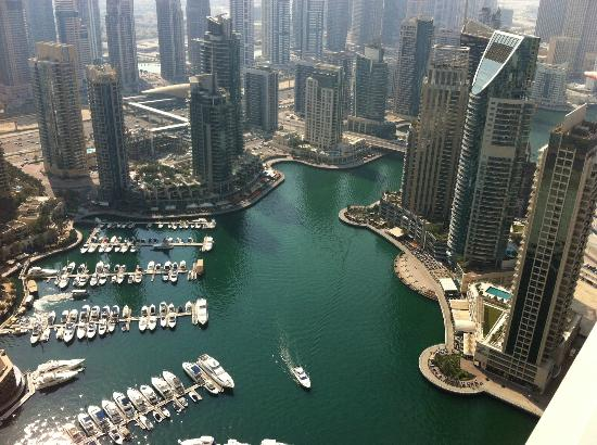 Dubai Marriott Harbour Hotel & Suites: Balcony view