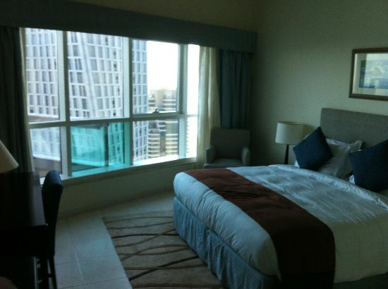 Dubai Marriott Harbour Hotel & Suites: Bedroom