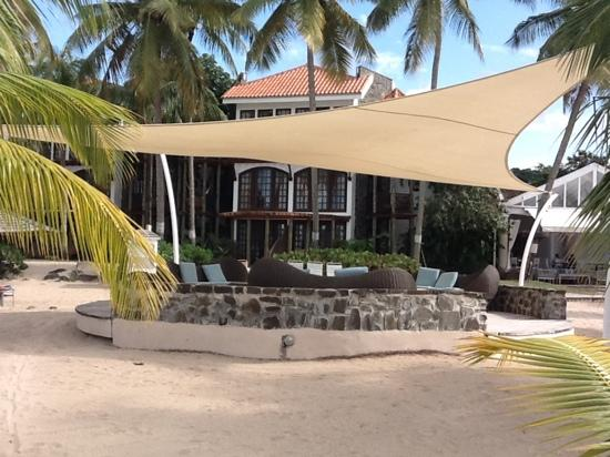 Rendezvous Resort: one of the resting places on the beach