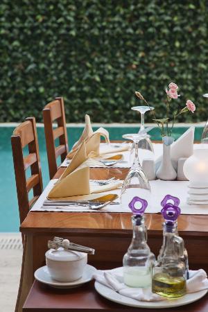 Mediterra Art Restaurant : Table view