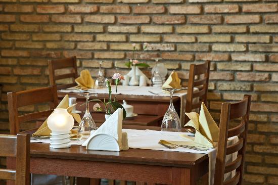 Mediterra Art Restaurant : Charming decoration