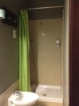 B&B Hotel Roma Trastevere: Salle de bains