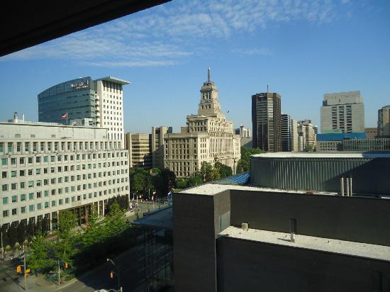 Hilton Toronto: Vista do quarto (dia).