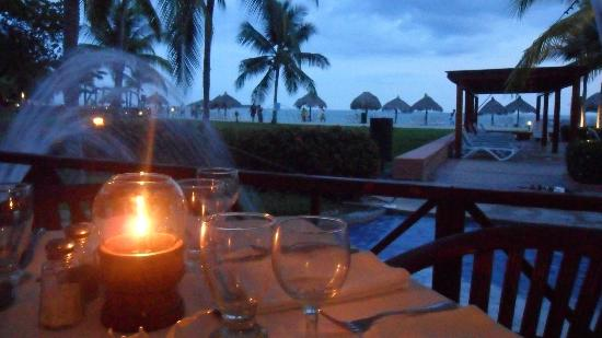 Royal Decameron Beach Resort, Golf & Casino: Dinner