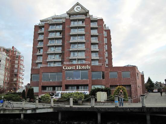 Coast Victoria Hotel & Marina by APA: Rückansicht (vom Wasser aus)