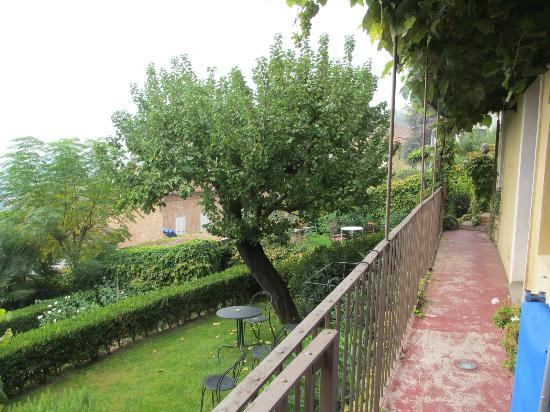 Sogni e Tulipani Bed & Breakfast: View from the cottage