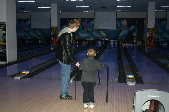 Discover great Bowling deals near you