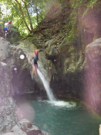 Damajaqua Cascades (27 Waterfalls): Jump!!!!