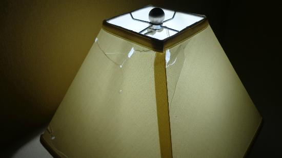 Quality Inn & Suites Fairview: The cracked lampshade.