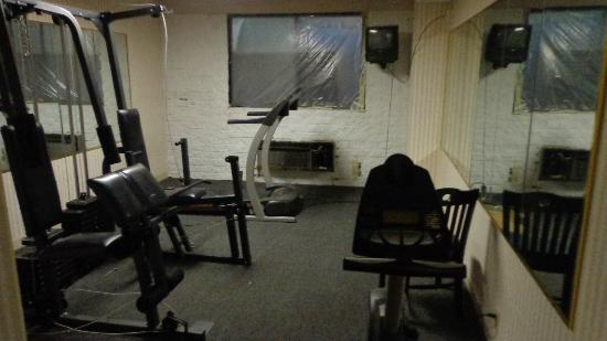 Quality Inn & Suites Fairview : The fitness room