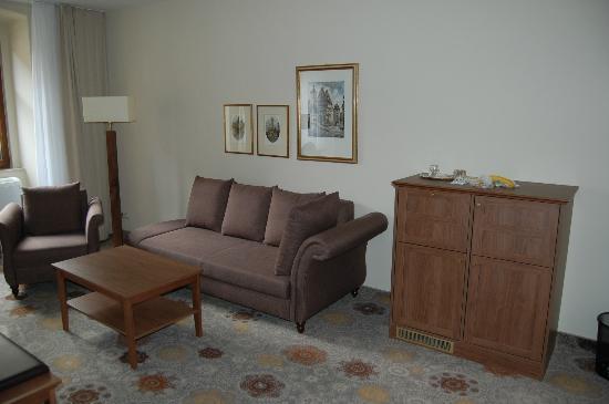 Hotel BurgGartenpalais: room 3 sitting area