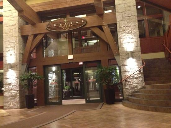Crystal Lodge Hotel: Entrance