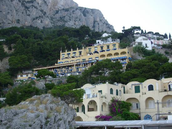 ‪‪Hotel Weber Ambassador Capri‬: The hotel from our boat tour
