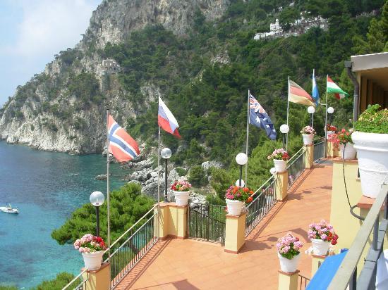 Hotel Weber Ambassador Capri: Hotel entrance
