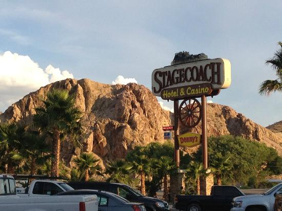 Stagecoach Hotel and Casino: Parking de l'hotel