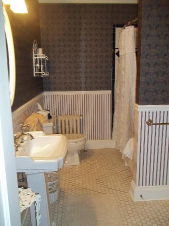 Hearthside B&B: Bathroom in Hearthside