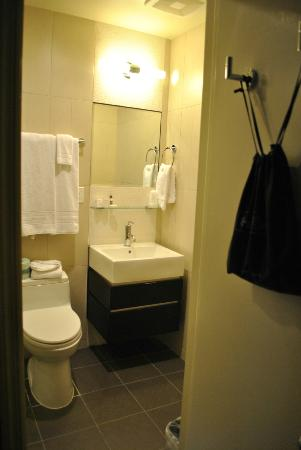 Hotel Belleclaire: Il bagno in camera