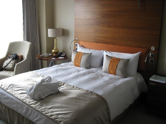 Hotel Okura Amsterdam: King size bed