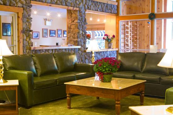 Mountain Edge Resort & Spa at Sunapee: Lobby